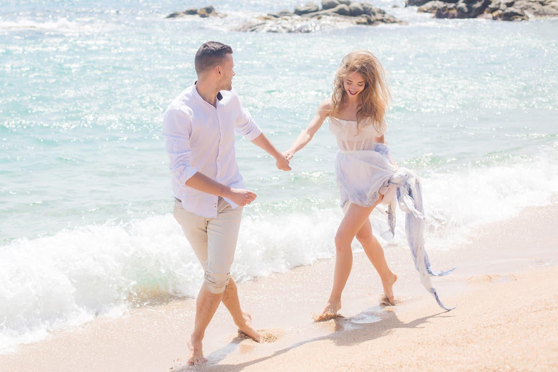 Coupleshoot Barcelona, Destination Wedding and Elopement Hochzeit in Spanien, Strandhochzeit Lloret del Mar