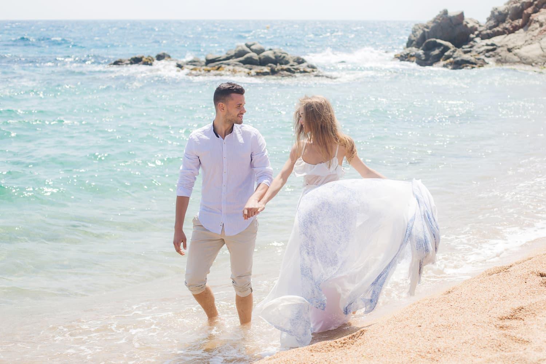 Hochzeitsreise Spanien, Hochzeitsfotograf Barcelona, Hochzeit zu Zwei am Strand in Tarragona