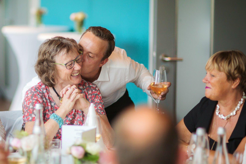 Hochzeitsfotograf in Frankfurt fotografiert in Mainnizza Irina und Falko