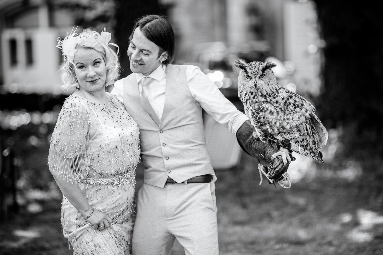 Hochzeitfotograf aus Frankfurt fotografiert Sanni und Ivan im Schloss Kommende Ramersdorf
