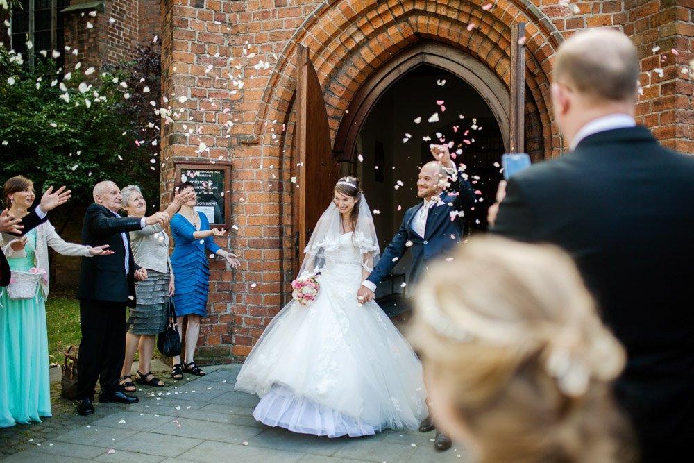 Hochzeitsfotograf auf Frankfurt fotografiert Angelina und Eugen auf der Hochzeit in Bremen