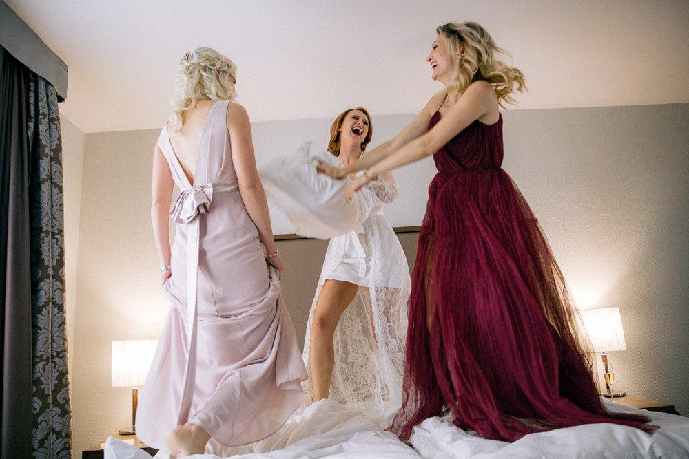 Hochzeitsvorbereitungen am Morgen im Hotel Schwarzer Bock, Getting Ready Frankfurt, Hochzeitsfotografie Wiesbaden