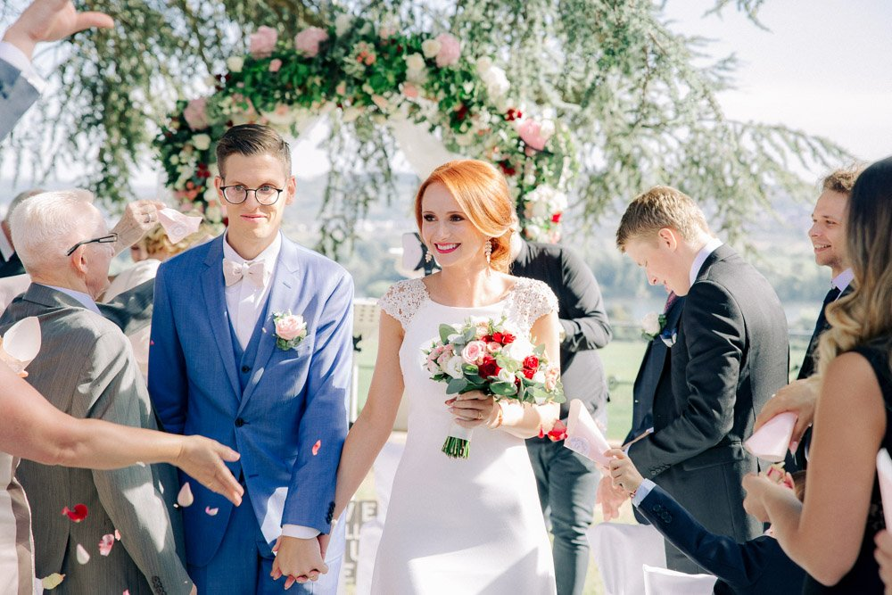 Hochzeitsfotograf Frankfurt, Brautkleid Pronovais für eine Schlosshochzeit, Weddingplaner Wiesbaden