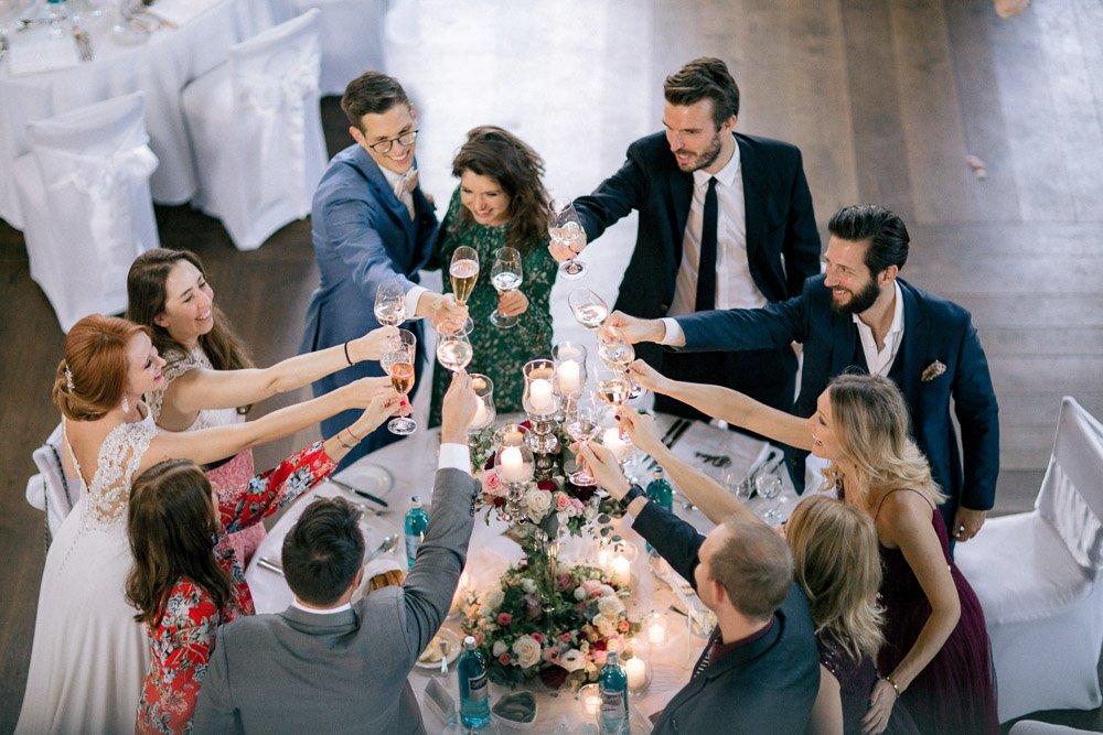 Hochzeitsfotograf Frankfurt fotografiert eine Hochzeit im Schloss Johannisberg, Hochzeitsfeier Rheingau