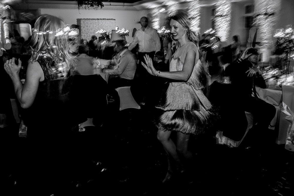Hochzeitsfeier in Basel, zivile Trauung in Weinbergen, Hochzeitsfotograf Zürich