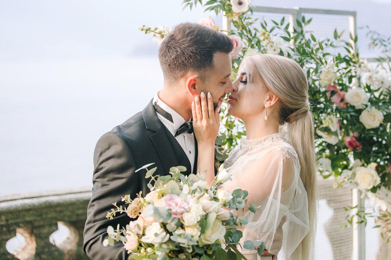 Elopement Hochzeit am Comer See, Destinationwedding Italien, Hochzeitsfotografin Frankfurt