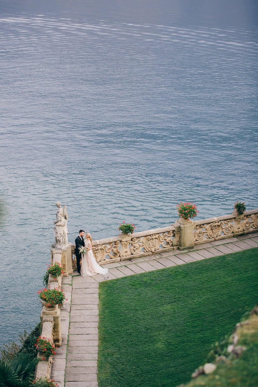 Hochzeitsreportage in Villa Balbianello, Hochzeitsfotograf Italien, elopement heiraten am Comer See
