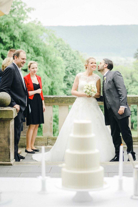 Hochzeitstorte Kassel, Heiraten im Schloss Wolfsbrunnen, Hochzeitsfotograf Eschwege