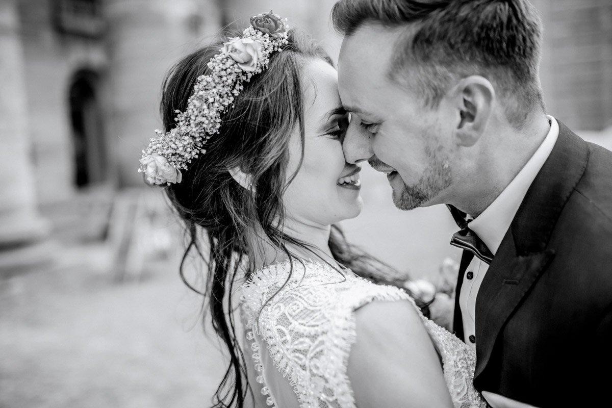 Natürliche Hochzeitsfotografie Kassel, Weddingphotographer Frankfurt, Hochzeitslocation Schloss Wilhelmshöhe