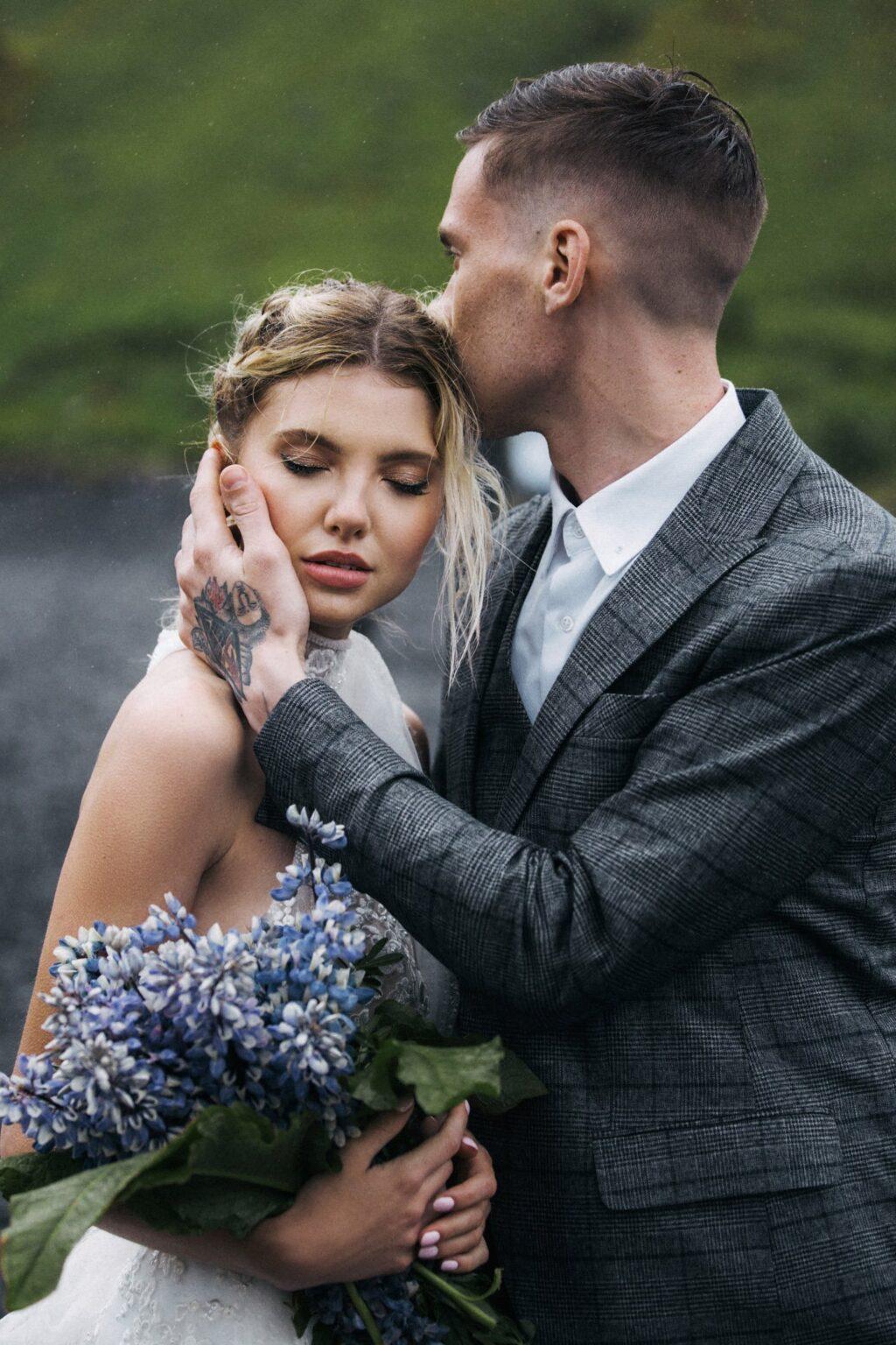 Hochzeitsfotos Island, Traumhochzeit am Wasserfall