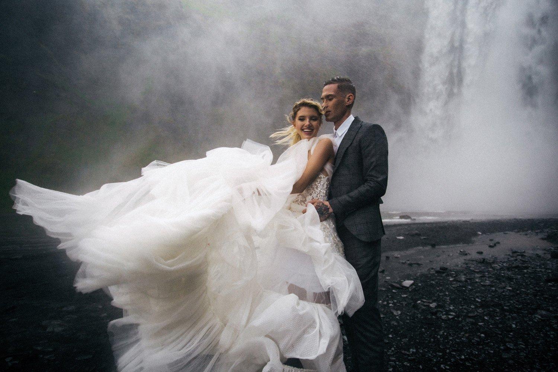 Intimate Wedding Iceland, Hochzeitsfotograf Frankfurt, Heiraten am Wasserfall