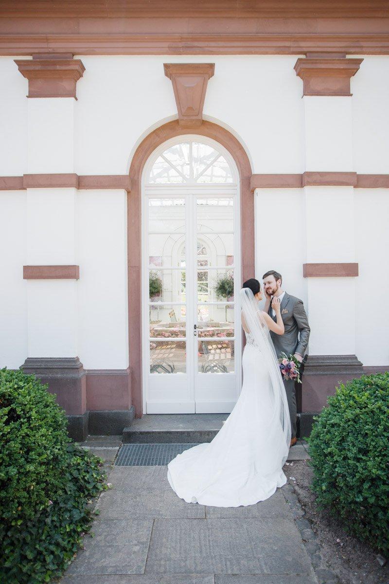 Hochzeitsfotograf Wiesbaden, Standesamtliche Hochzeit auf Schloss Platte, Brautpaarshooting im Palmengarten