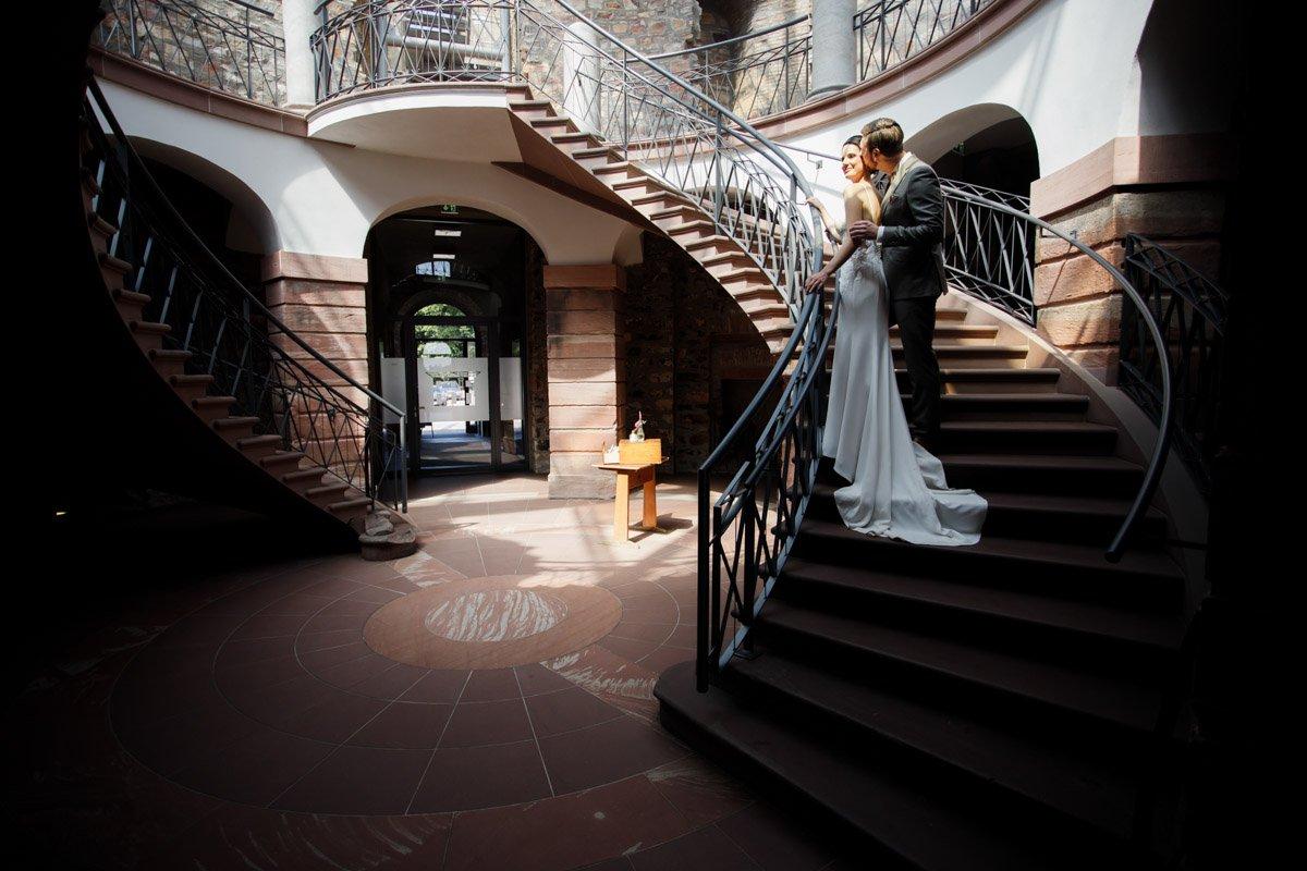 exclusive Hochzeitsfotografie Wiesbaden, Heiraten auf Schloss Platte, Hochzeitslocation Frankfurt