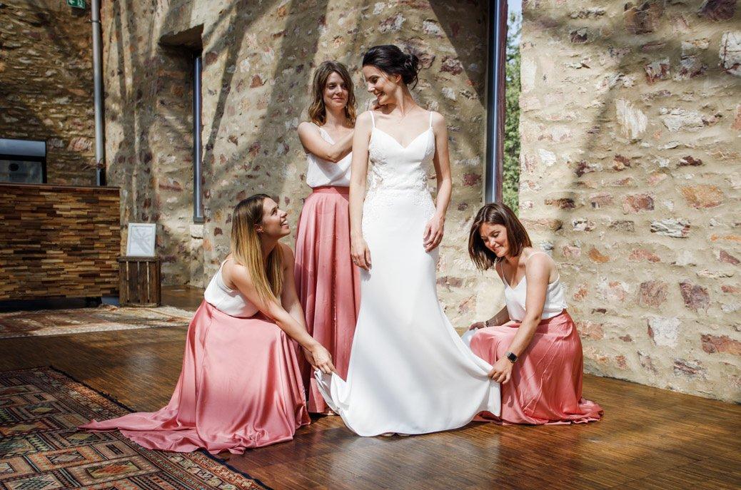 Braut mit ihren Brautjungfern in Wiesbaden